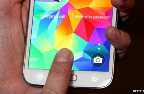 Samsung S5 FingerPrint özelliğinde kusur bulundu!