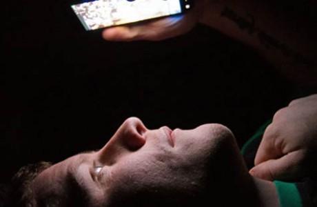 Yatmadan Önce Telefona Bakmayın, Uykunuz Kaçabilir
