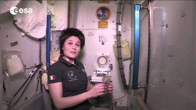 Uzay İstasyonunda Tuvalet Nasıl Kullanılır?