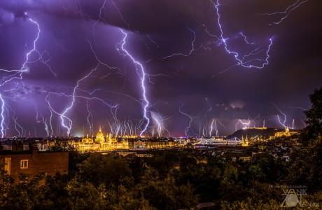 Elektrik Yüklü Şehir Budapeşte !