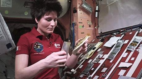 Uzay istasyonunda Yemek Pişirme Nasıl Yapılır?