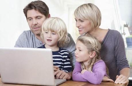 Çocuklar Sevinçli, Anne-Babalar Endişeli