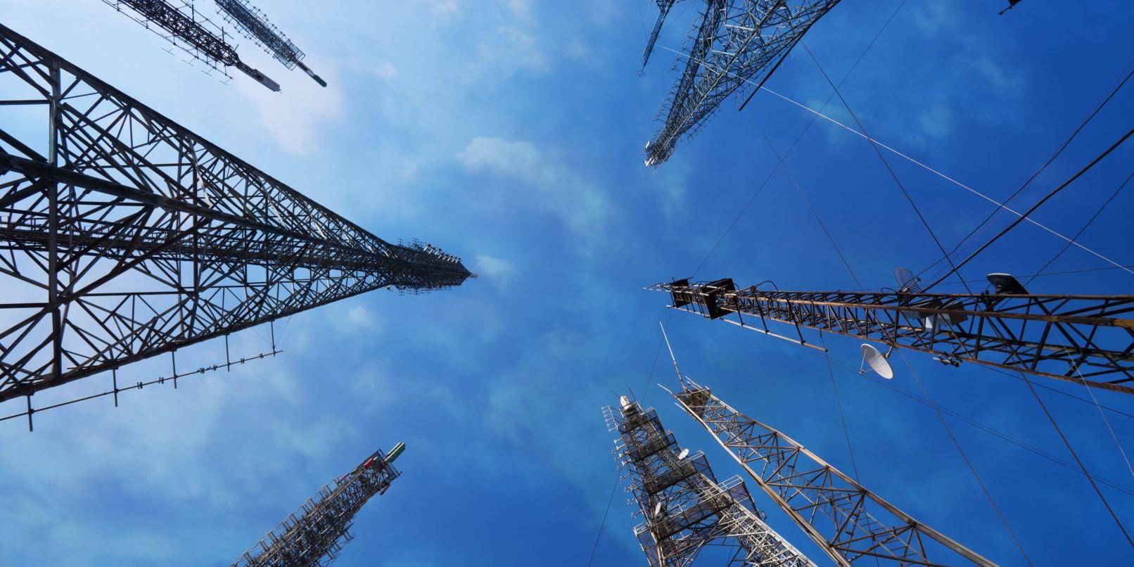 Londra'da Sahte Baz istasyonu Kuleleri ? Londra Sakinlerinin Cep Telefonları Dinlenmiş!