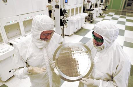 IBM 'den Yeni Çip, Hemde Intel Değil :)