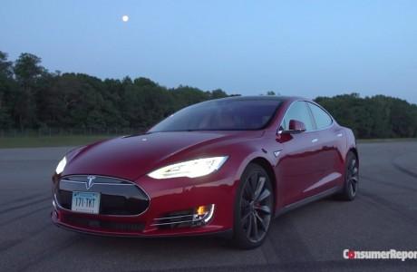 2015 Tesla Model S P85D : 100 üzerinden 103 Puan Aldı!