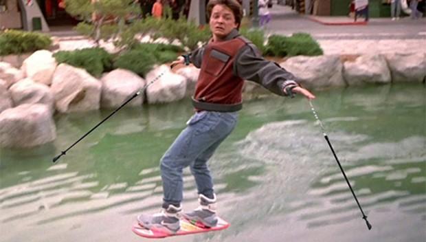 news_1-ucan-kaykay-lexus-hoverboard-satisa-cikiyor-2015-back-to-the-future