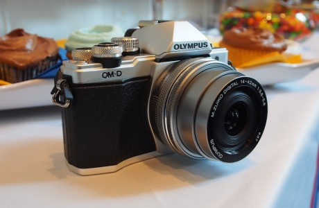Yeni Olympus E-M10 II: Küçük ama Özellik Dolu!