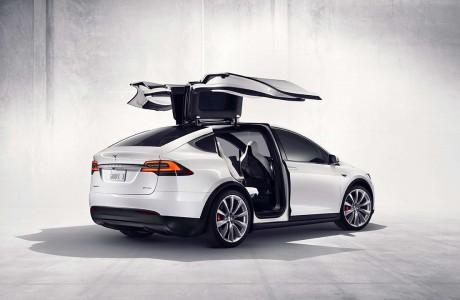 Tesla Model X : Tesla'nın Şahin Kanatlı ilk Elektrikli SUV'u $132K