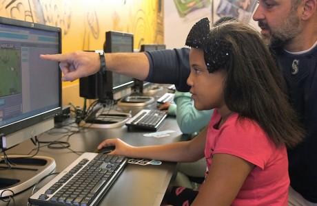 Microsoft 'Minecraft' Kullanarak Çocuklara Kod Yazmayı Öğretiyor