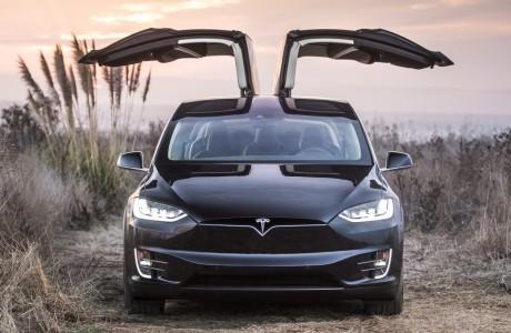 Tesla Model X SUV Satışa Hazır! Yeni Rekor Gelecek mi?