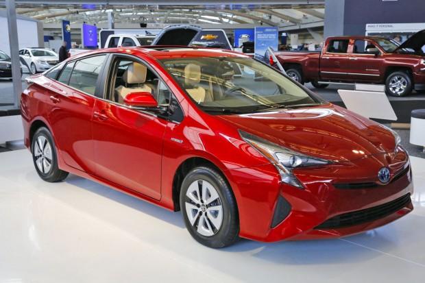 Toyota, yazılım hatasından dolayı 752 bin Prius aracını geri çağırıyor