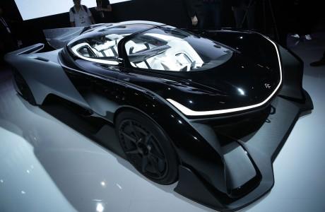 Faraday Future Özerk Otomobilini Test Ediyor