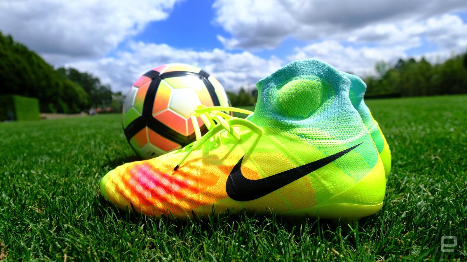 Kalın Çorap Futbol Ayakkabısı Nike The Magista 2