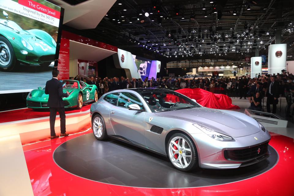 Ferrari GTC4Lusso T Paris Otomobil Fuarı 2016