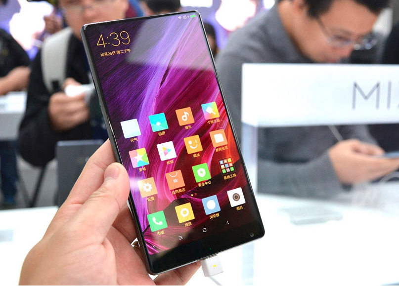 Yüzde 91.3 Ekran ve Çerçevesiz Xiaomi Mi MIX