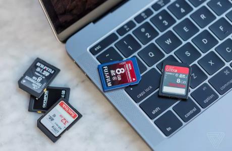 MacBook Pro 2016 SD Kart Yuvası Kalktı, işte Sebebi?