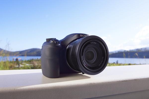 Kompakt 50x Süper Zoomlu Cyber-shot HX350 Satışa Çıkıyor!