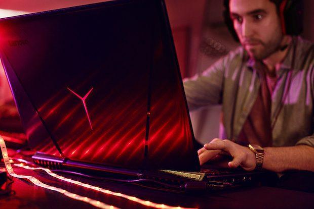 Oyun Severler için, Yüksek Performanslı Lenovo Y900