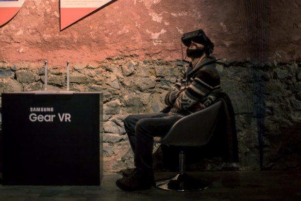 !f Yarın, Samsung Gear VR Desteğiyle Bugün Başlıyor!