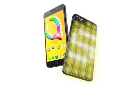 Dünya'nın ilk interaktif, LED kapaklı akıllı telefonu Alcatel A5 tanıtıldı