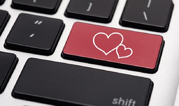 Sosyal Medya'da Mac Kullanıcıları Daha Romantik!