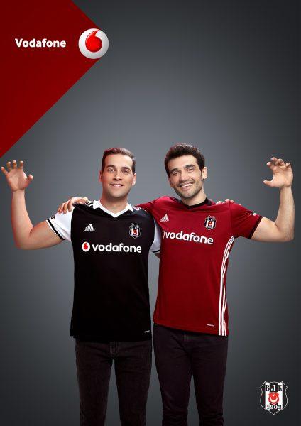 Yeni Vodafone KaraKartal Marşı, Beşiktaşlı Taraftarlar Yazdı!