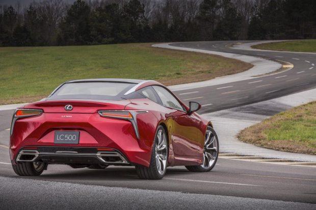 Lexus LC 500, Yılın Üretim Otomobili Tasarımı Ödülünü Aldı