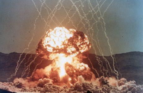Gizliliği Kaldırılmış Nükleer Test Filmleri YouTube'da izleyin!