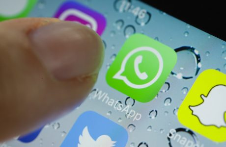 Siri WhatsApp Mesajlarınızı Sesli Okumaya Başlıyor