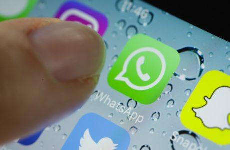 Siri WhatsApp Mesajlarınızı Okumaya Başlıyor