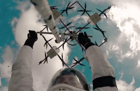 Dünyanın ilk Drone Atlayışı Gerçekleştirildi, Drone JUMP Videosu!