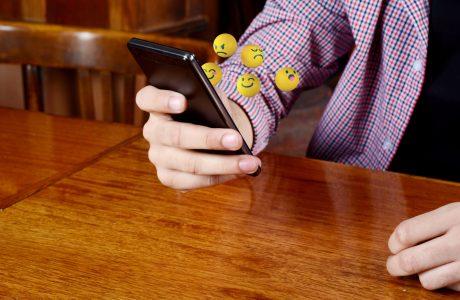 Ev Kiralamak için Emoji Kullanan Çifte 2000 Dolar Ceza