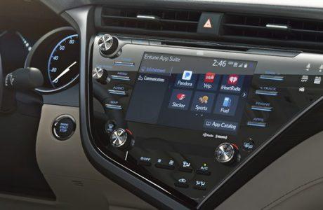 """2018 Toyota Camry """"AGL"""" Bilgi-Eğlence Sistemi Kullanan ilk Otomobil"""