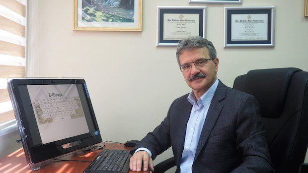 Türkiye'nin Milli Klavyesi, E-Klavye TSE Tarafından Tescillendi Prof.Dr. Mahmut Ekşioğlu