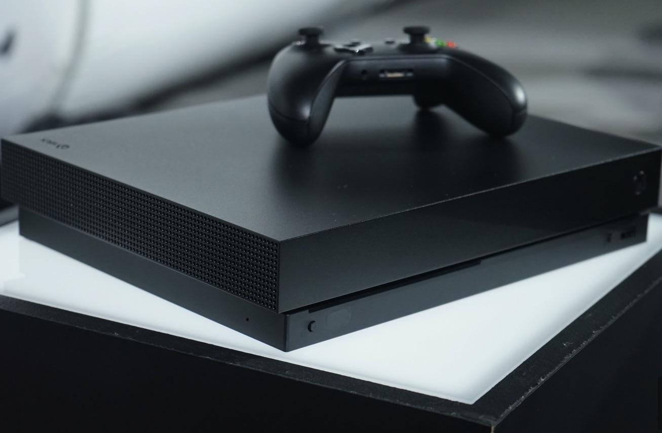 Microsoft, Standart Xbox One X Ön Sipariş Satışlarını Başlattı