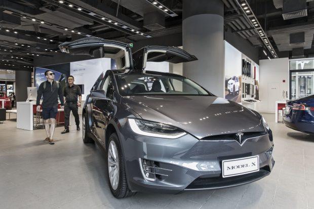 Tesla 11 Bin Model X SUV Aracını Geri Çağırdı, Peki Sorun Ne?
