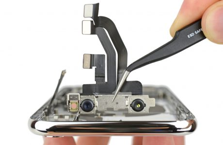 iPhone X Nasıl Sökülür? Tüm Parçalarıyla iPhone X'in içine Bir Göz Atın