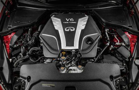INFINITI 3.0 Twin-Turbo V6 Motoru ÖDÜLE DOYMUYOR