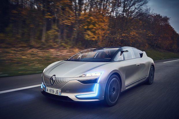 Renault SYMBIOZ Demo Car Test Sürüşleri ile Otonom Sürüş Keyfi