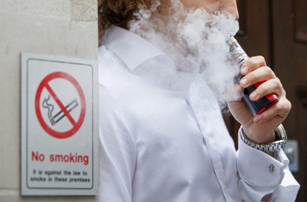 e-sigara Sağlığa Zararlı mı? e-sigara Kanser ve Kalp Krizi Riskini Arttırıyor