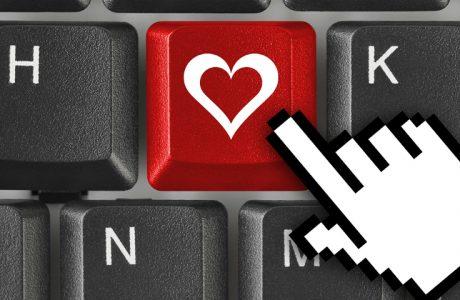 Sevgililer Gününe Özel 1500 TL Altı Teknolojik Hediye Önerileri