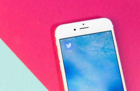 Twitter Botlarla Savaşmak için Toplu Tweetlemeyi Yasaklıyor