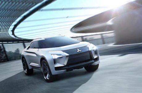 Mitsubishi e-EVOLUTION CONCEPTve yeniOutlander PHEV'i tanıtacak