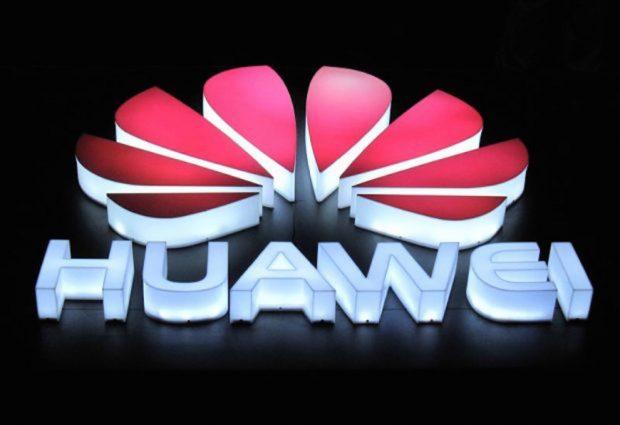 Huawei Katlanabilir Akıllı Telefonunu