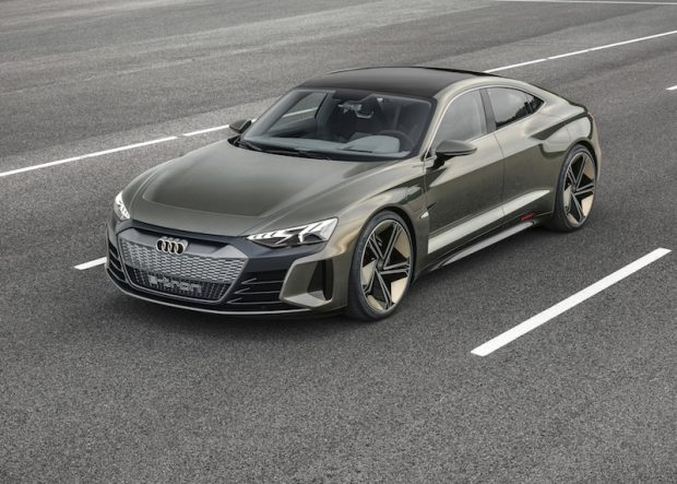 Audi e-tron GT Konsept: Audi'den 4 kapılı elektrikli coupe konsepti
