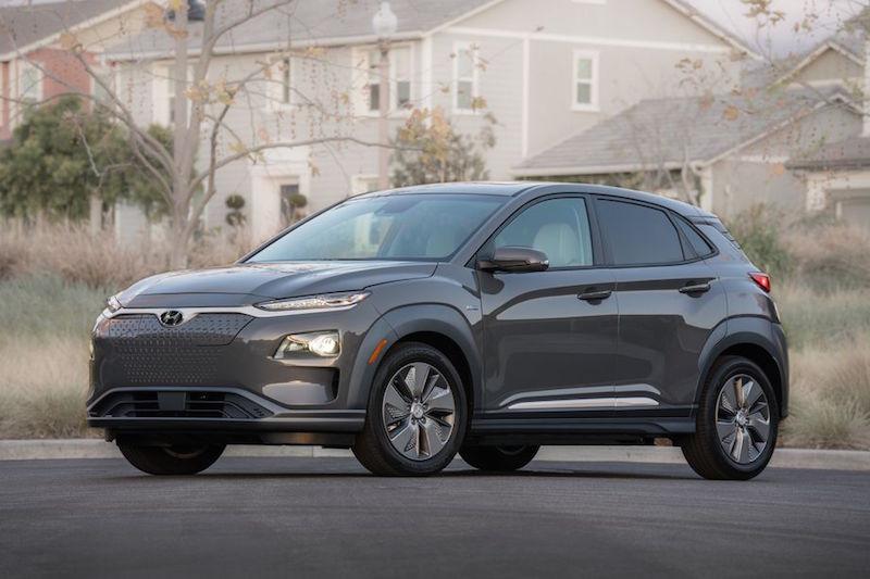 Elektrikli Hyundai Kona SUV Harika Kullanım Mesafesi Sunuyor