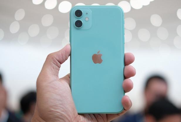iPhone 11 ve Rakiplerini Karşılaştırma: Yeni Orta Seviye iPhone 11