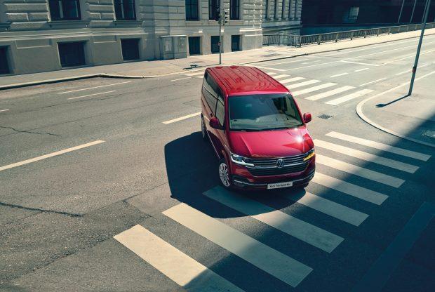 Yeni Transporter, Panel Van, City Van ve Camlı Van modelleriyle satın alınabiliyor. 2.0 litre TDI uzun şasi, manuel şanzımanlı, 110 PS ve 150 PS seçenekleriyle satışa sunulan