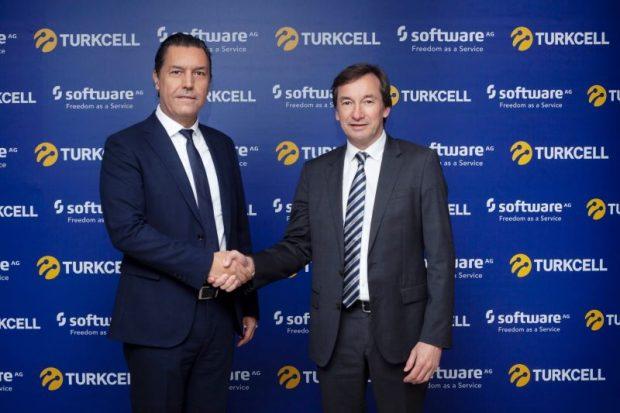 Turkcell Genel Müdür Yardımcısı Ceyhun Özata_Software AG EMEA Bölgesi Kıdemli Başkan Yardımcısı Philippe La Fornara