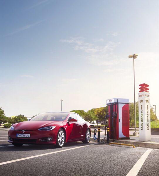 ZES'ten 17 şehirde 100 yeni elektrikli şarj istasyonu daha!